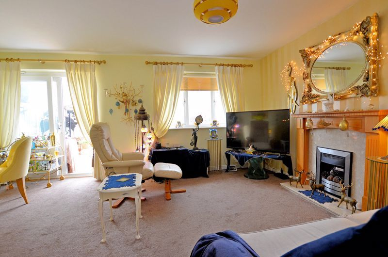 3 bed house for sale in Clay Lane 2