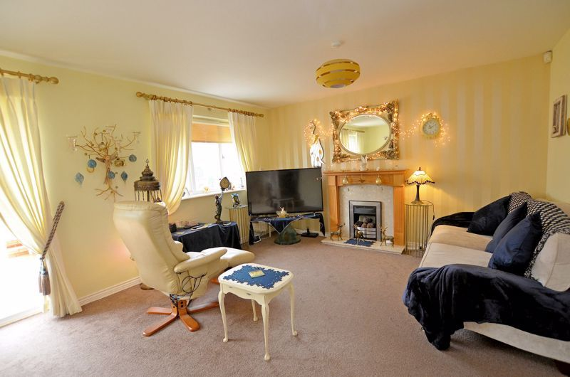 3 bed house for sale in Clay Lane 12