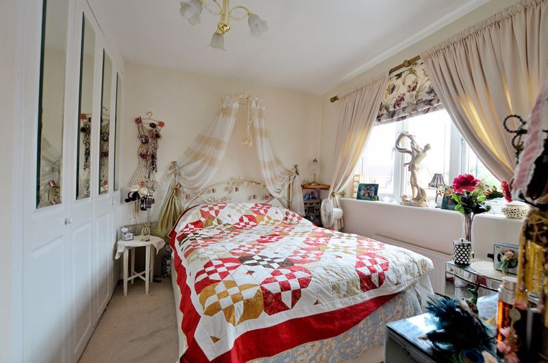3 bed house for sale in Clay Lane 5