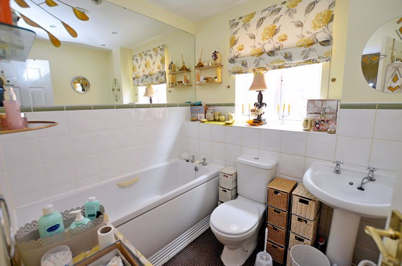 3 bed house for sale in Clay Lane 8
