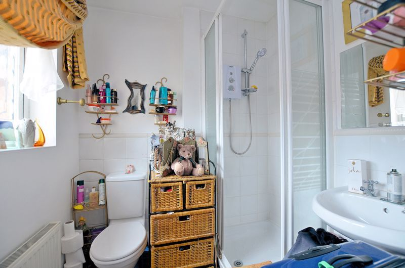 3 bed house for sale in Clay Lane  - Property Image 9