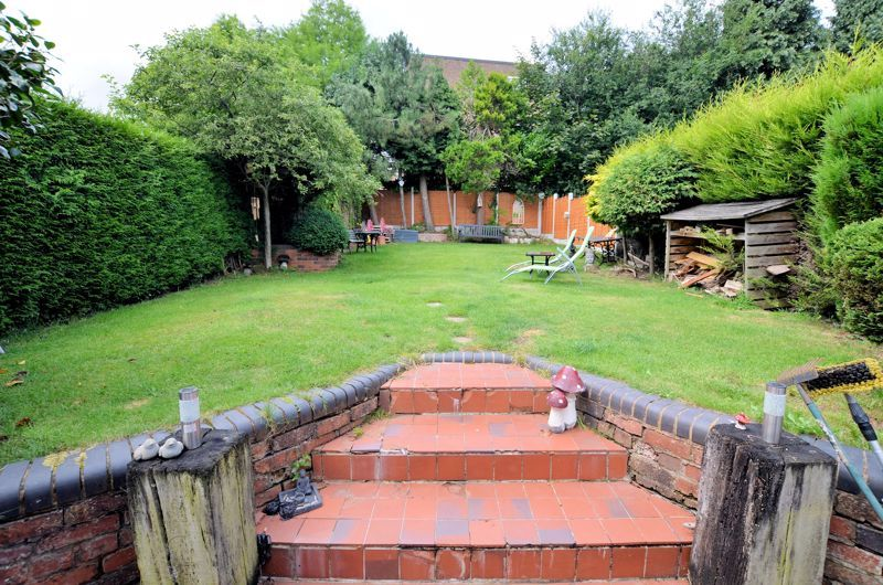 4 bed house for sale in Woodbourne Road 13