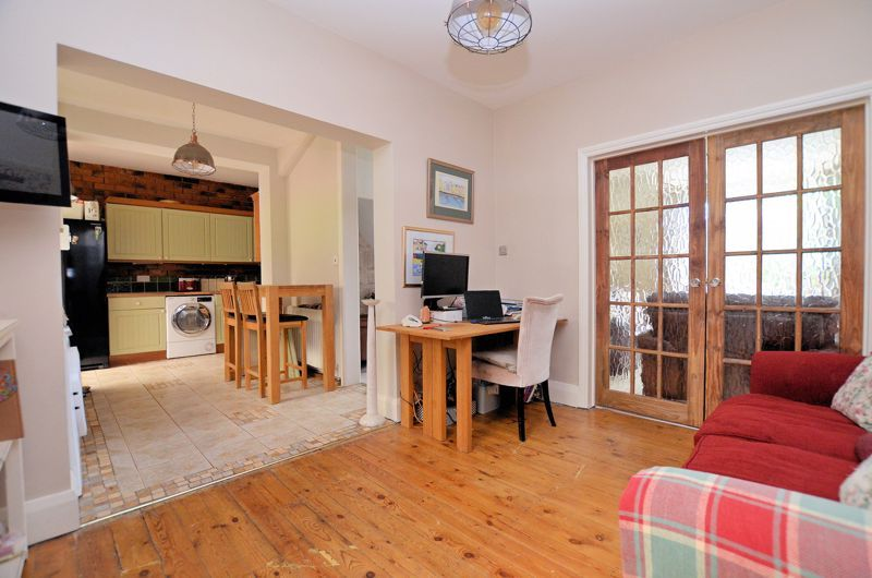 4 bed house for sale in Woodbourne Road  - Property Image 3