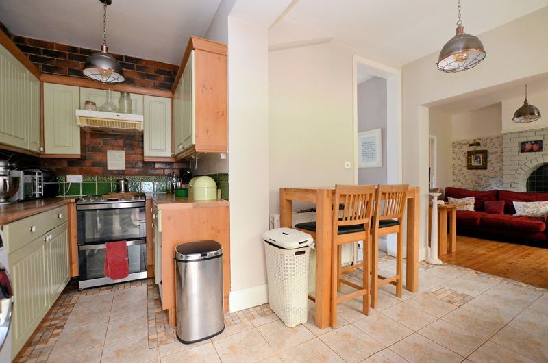 4 bed house for sale in Woodbourne Road 4