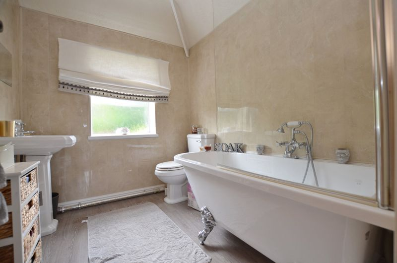 4 bed house for sale in Woodbourne Road  - Property Image 7