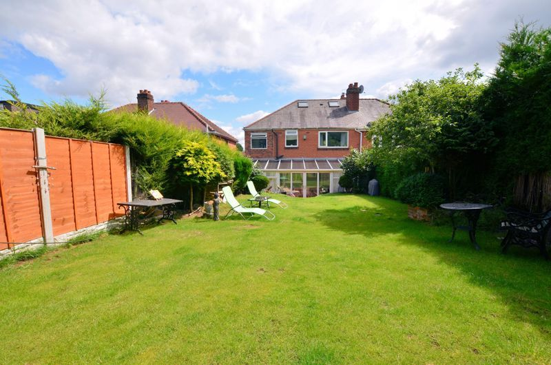 4 bed house for sale in Woodbourne Road  - Property Image 9