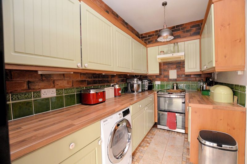 4 bed house for sale in Woodbourne Road 10