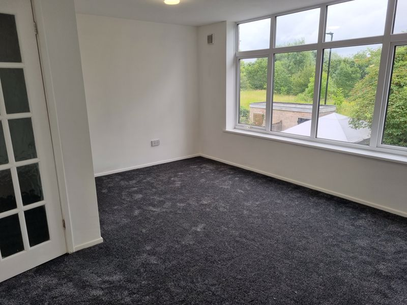 3 bed house to rent in Simmons Drive 4