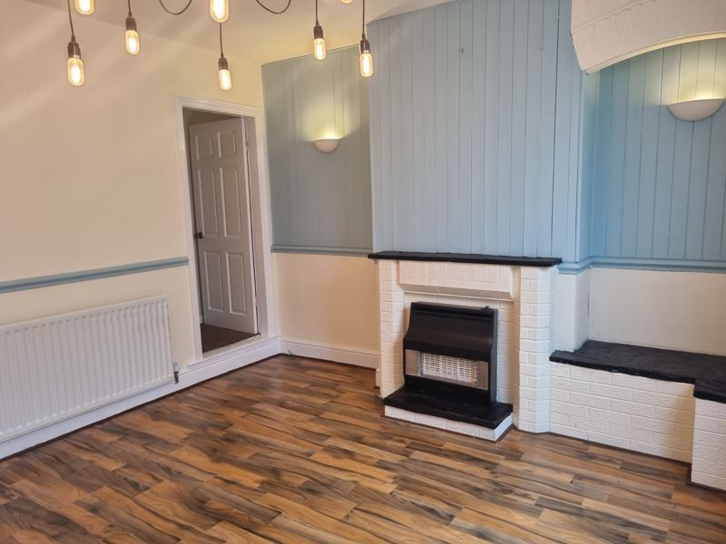 3 bed house to rent in Clyde Street 2