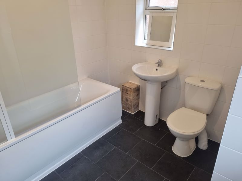 3 bed house to rent in Clyde Street 4