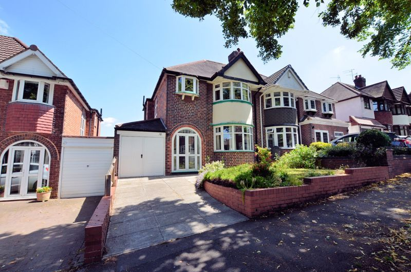 3 bed house for sale in Edenhall Road 1