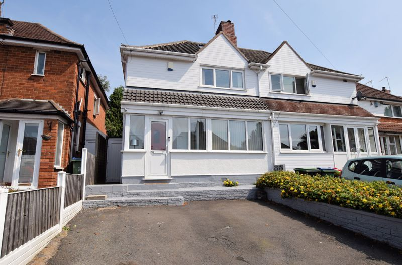 3 bed house for sale in Warwick Road, B68