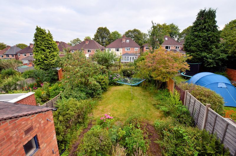 3 bed house for sale in Beverley Court Road 8
