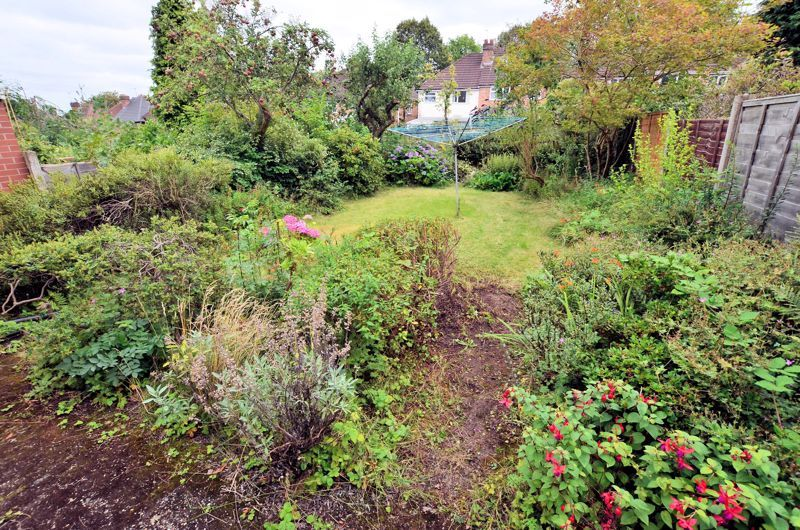 3 bed house for sale in Beverley Court Road 9