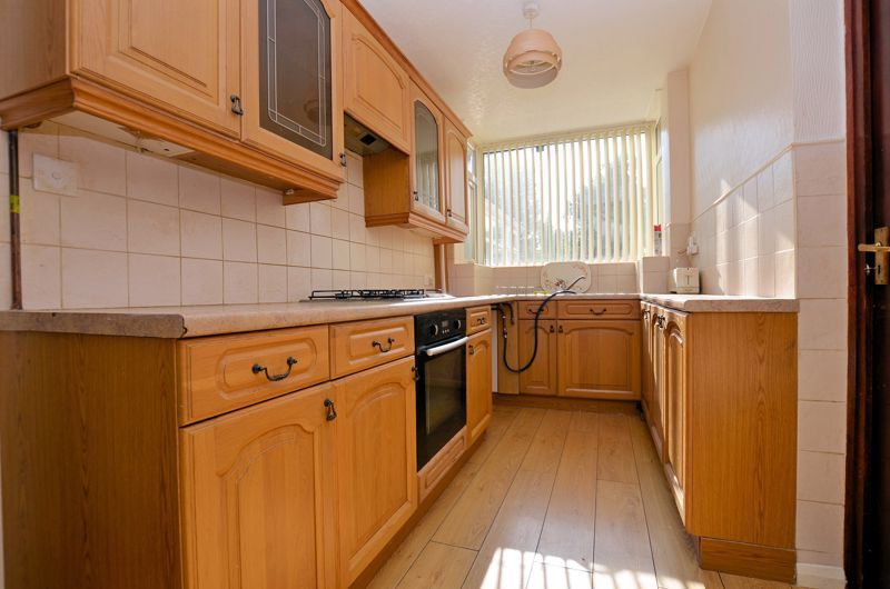 3 bed house for sale in White Road 12