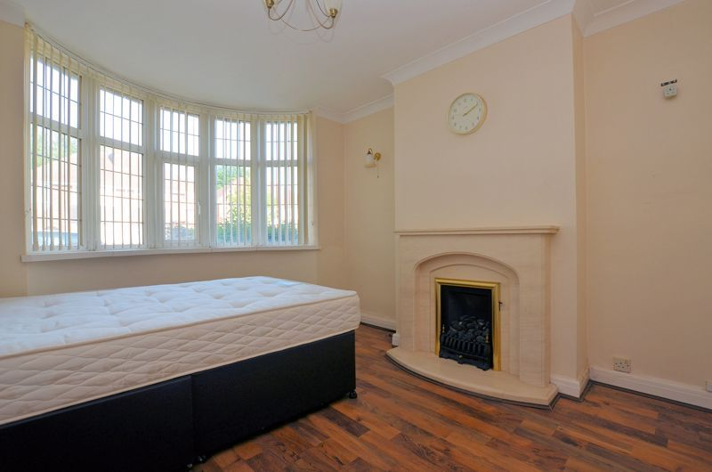 3 bed house for sale in White Road  - Property Image 3