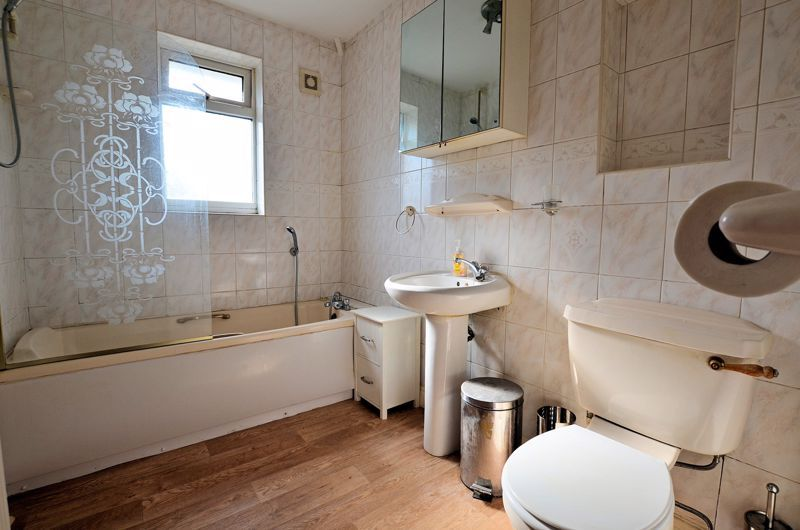 3 bed house for sale in White Road  - Property Image 10