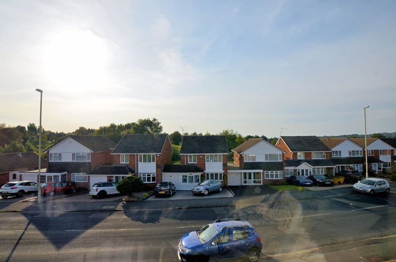 3 bed house for sale in Woodbury Road 11