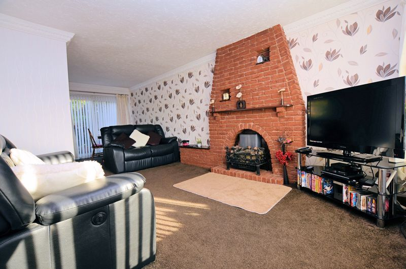 3 bed house for sale in Woodbury Road 3