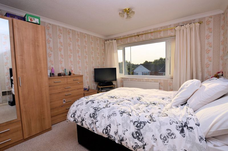 3 bed house for sale in Woodbury Road 5
