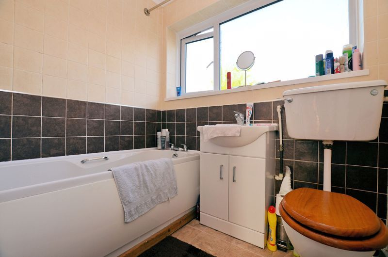 3 bed house for sale in Woodbury Road 10