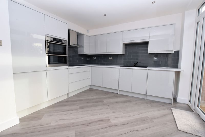 3 bed house to rent in Ridgacre Road 4