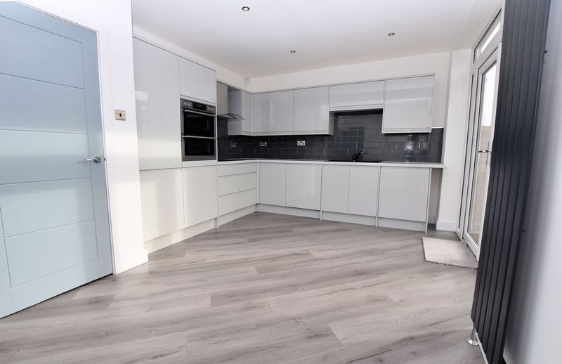 3 bed house to rent in Ridgacre Road 5