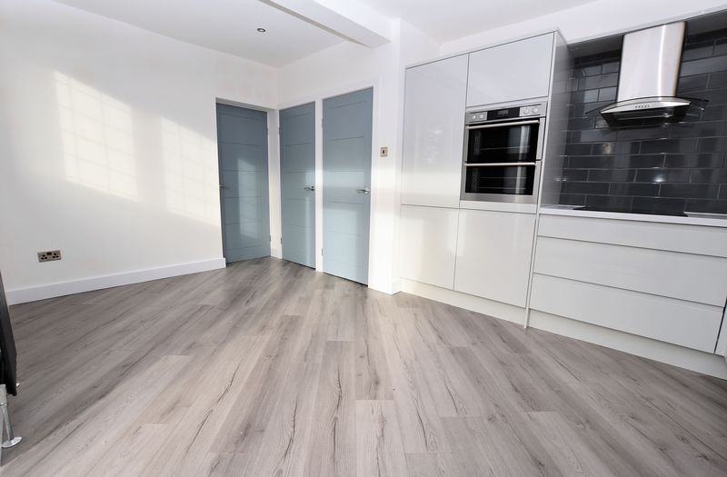 3 bed house to rent in Ridgacre Road 6