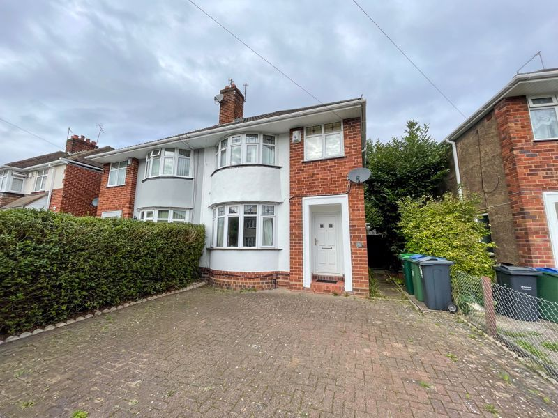 3 bed house to rent in Trejon Road, B64