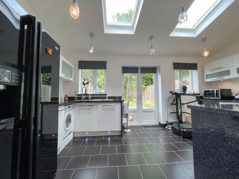 3 bed house to rent in Trejon Road 2