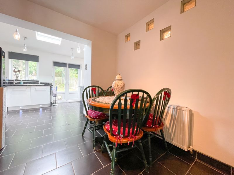 3 bed house to rent in Trejon Road 5