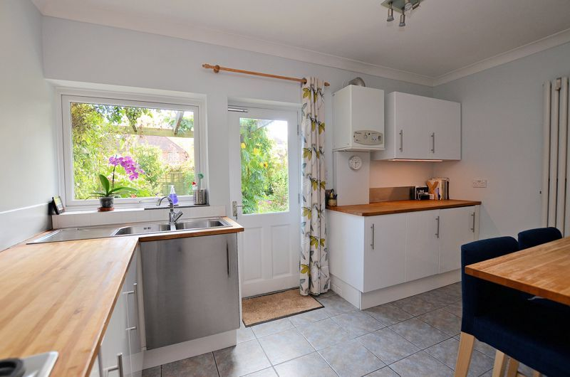 3 bed house for sale in Trevanie Avenue 16