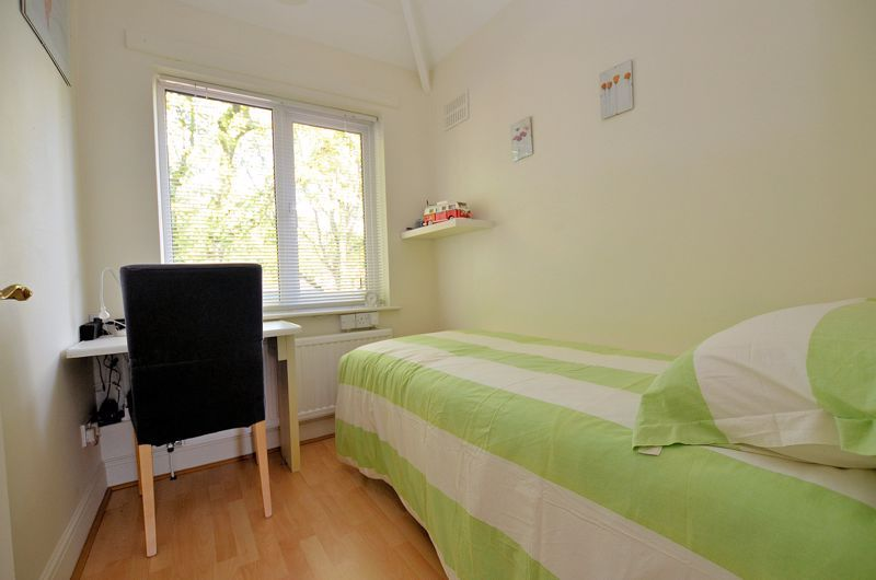 3 bed house for sale in Trevanie Avenue 17