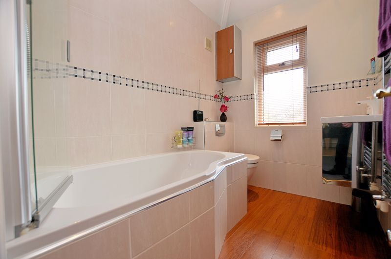 3 bed house for sale in Trevanie Avenue 7