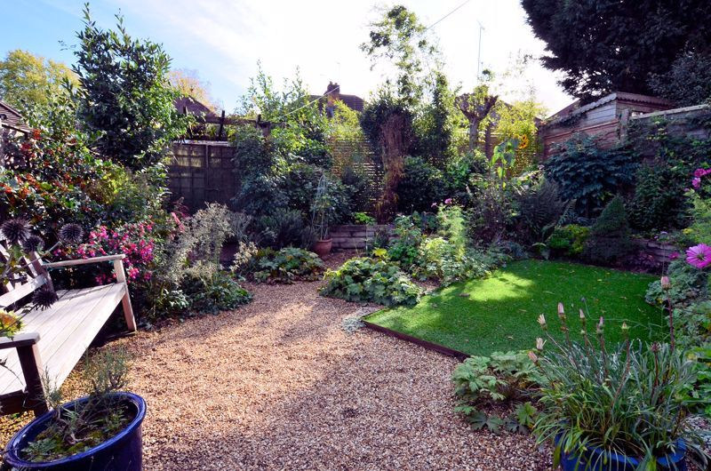 3 bed house for sale in Trevanie Avenue 8