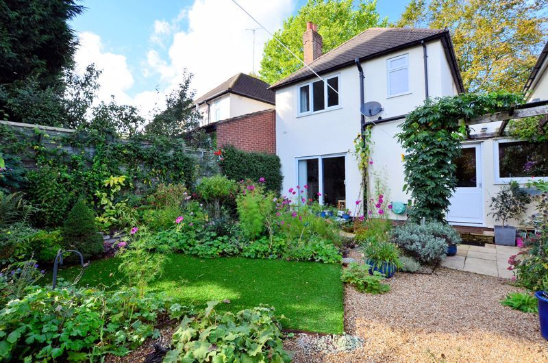 3 bed house for sale in Trevanie Avenue 9