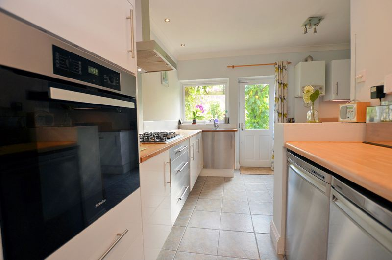 3 bed house for sale in Trevanie Avenue 10