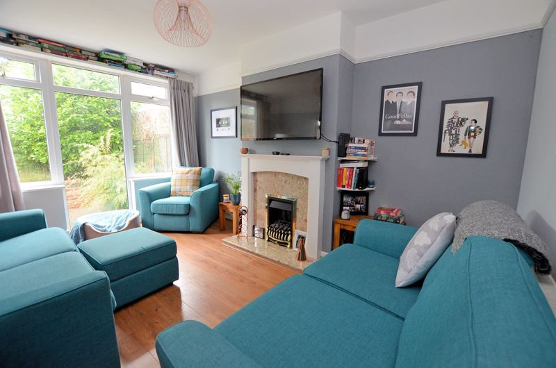 3 bed house for sale in Conway Avenue 2