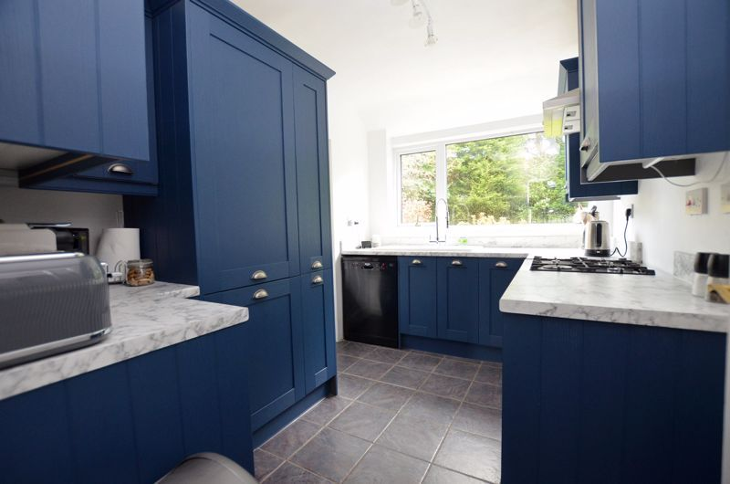 3 bed house for sale in Conway Avenue 4