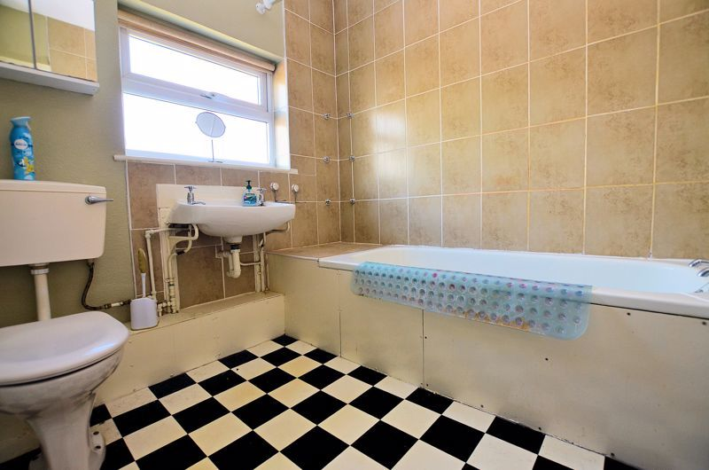 4 bed house for sale in St Michaels Crescent 7