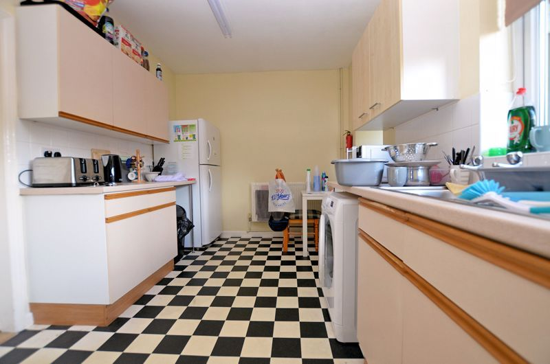 4 bed house for sale in St Michaels Crescent 10