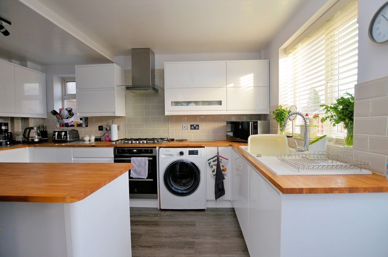 3 bed house for sale in Chichester Drive 13