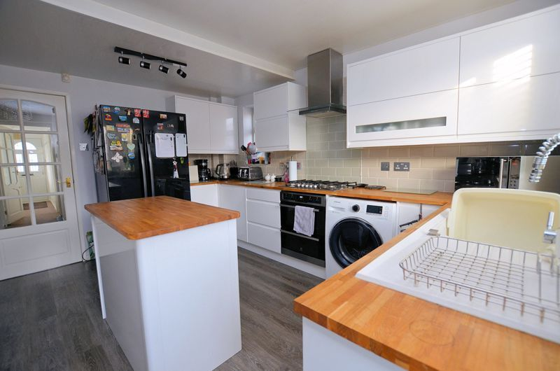 3 bed house for sale in Chichester Drive  - Property Image 4