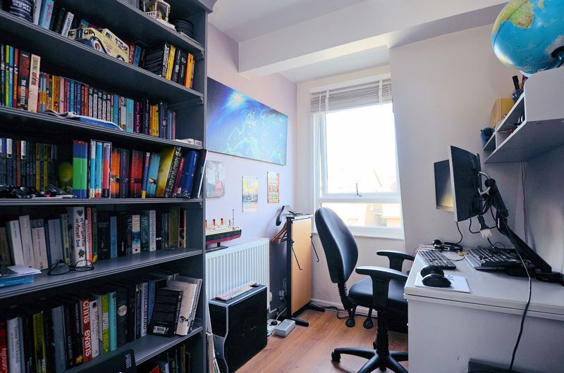 4 bed house for sale in Alder Grove  - Property Image 20