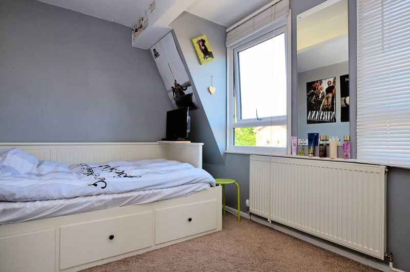 4 bed house for sale in Alder Grove 6