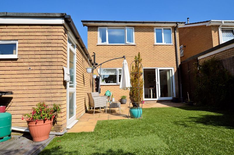 4 bed house for sale in Alder Grove 10