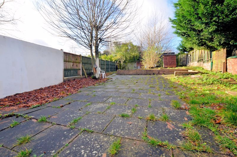 4 bed house for sale in Woodgreen Road 12