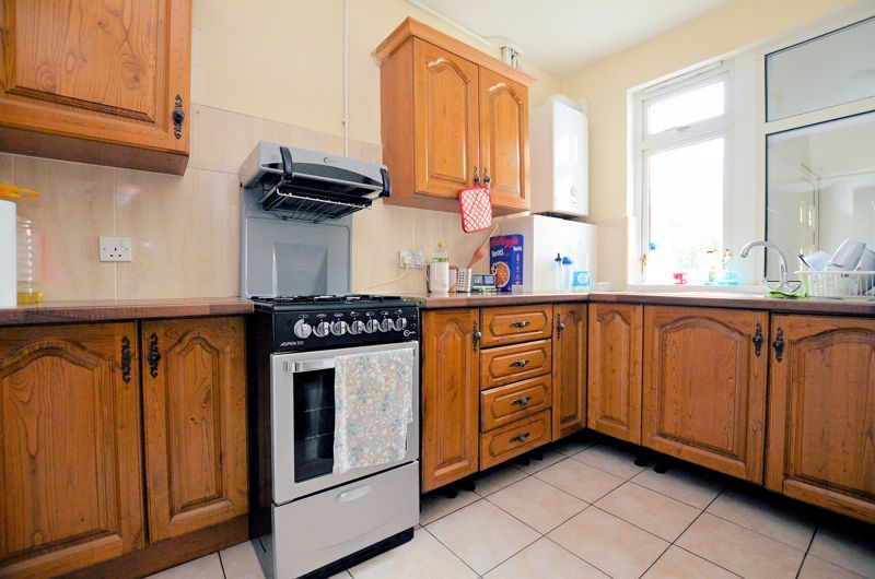 4 bed house for sale in Woodgreen Road 13