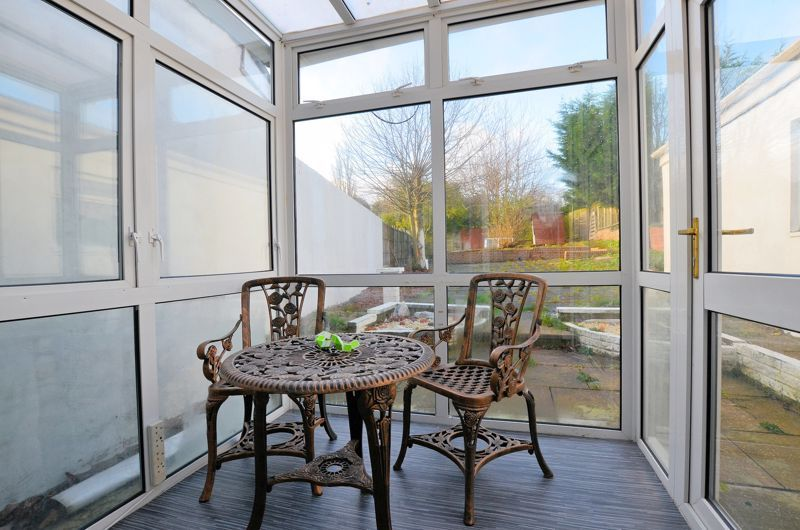 4 bed house for sale in Woodgreen Road 4
