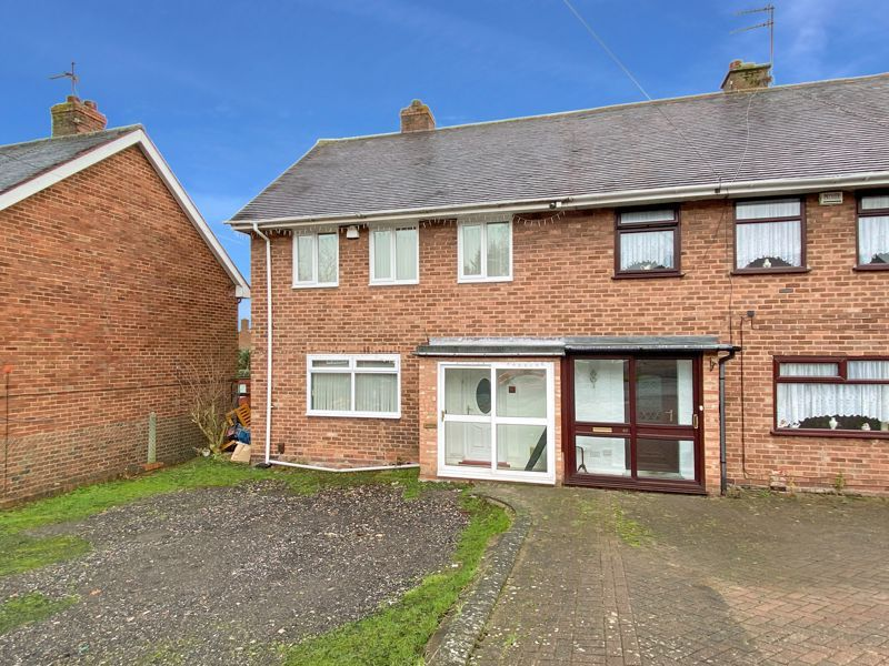3 bed house to rent in Fleming Road 1